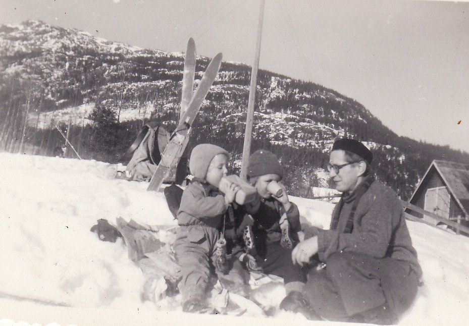 15. Skitur Fredrik, Anne-Mette og Kirsten 1959