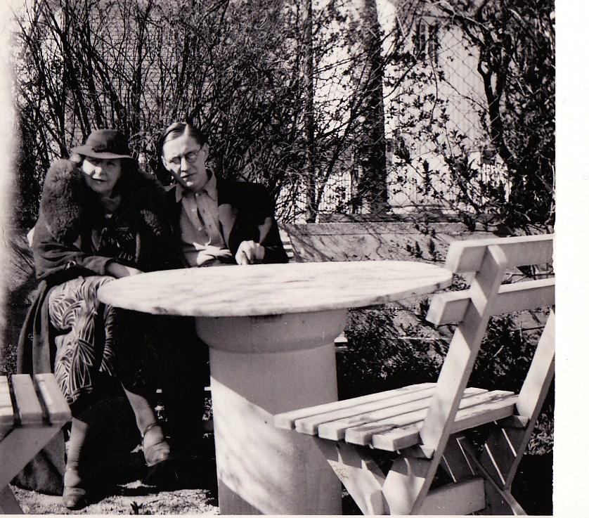7. Fredrik og moren . 35